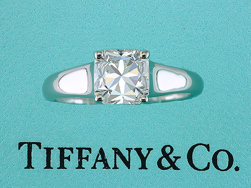 Tiffany & Co. Cert .76ct F-VS1 Lucida Diamond Solitaire Platinum Engagement Ring $4,900