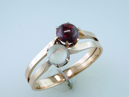 Vintage  Garnet Moonstone Cocktail Ring 14K Yellow Gold Antique Victorian $435